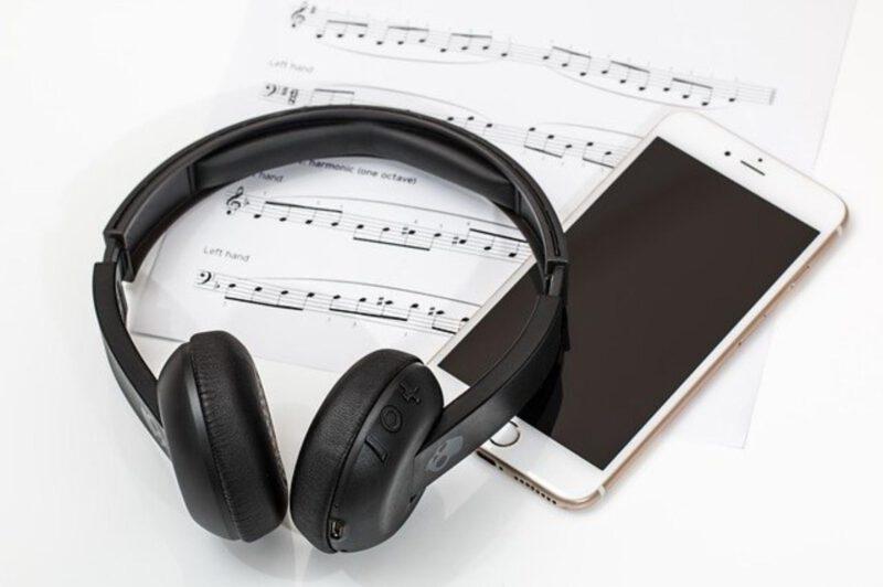 Słuchawki, które nadają się do ćwiczeń sportowych