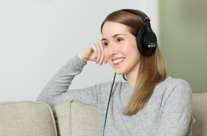 Jak wybrać słuchawki do 200 zł?