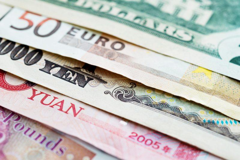 Kto potrzebuje konta walutowego i ile ono kosztuje?